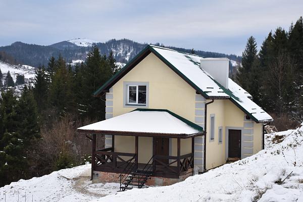 Дом посуточно в Славском, ул. Устияновича, 56