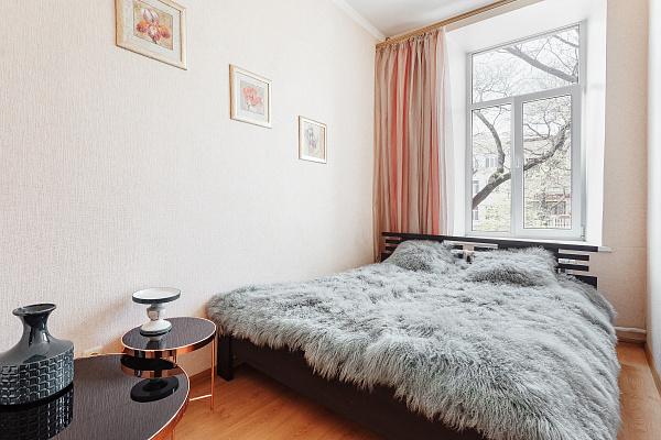 Двухкомнатная квартирапосуточно в Одессе. Приморский район, ул. Малая Арнаутская, 113. Фото 1