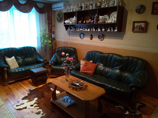 Трехкомнатная квартирапосуточно в Бердичеве, ул. Винницкая, 25. Фото 1