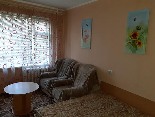 Однокомнатная квартирапосуточно в Ровно. ул. Макарова, 26. Фото 1