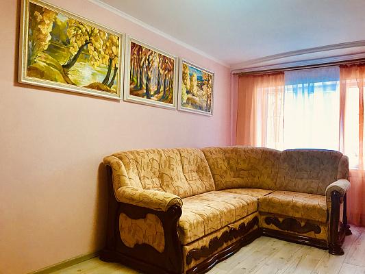Двухкомнатная квартирапосуточно в Ужгороде. пр-т Свободы, 44. Фото 1
