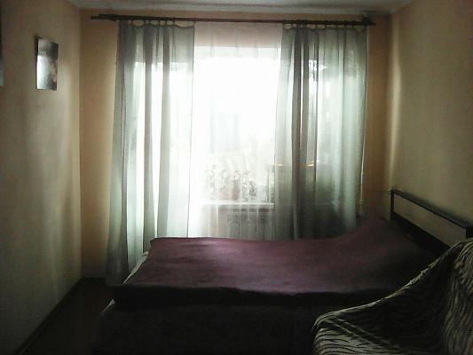 Однокомнатная квартирапосуточно в Ровно. ул. Степана Бандеры, 60. Фото 1