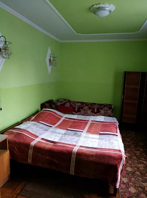 Однокомнатная квартирапосуточно в Сходнице, ул. Шевченка, 13. Фото 1