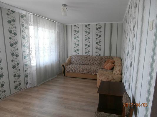 Трехкомнатная квартирапосуточно в Сергеевке. пгт. Сергеевка. Фото 1