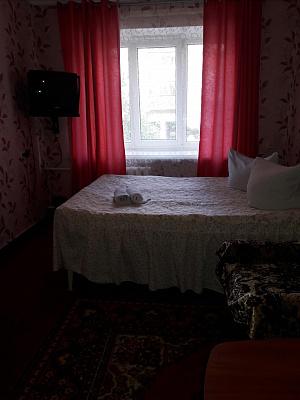 Однокомнатная квартирапосуточно в Ровно. ул. Степана Бандеры, 44. Фото 1