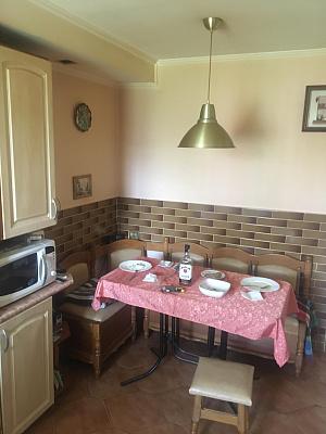 Двухкомнатная квартирапосуточно в Стрые, ул. Богдана Хмельницкого, 27. Фото 1