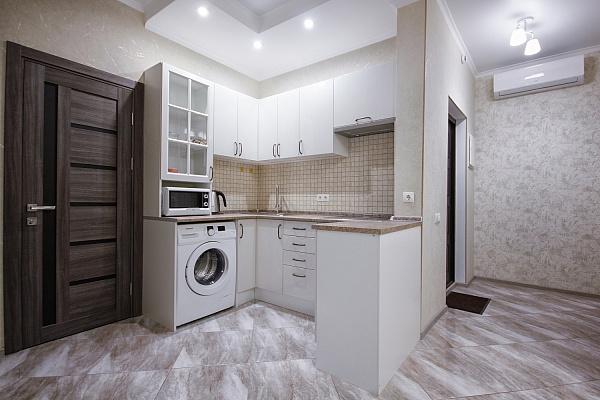 Двухкомнатная квартирапосуточно в Одессе. Приморский район, ул. Генуэзская, 3Б. Фото 1