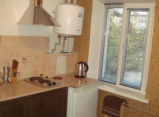 Однокомнатная квартирапосуточно в Мариуполе, Ильичевский район, ул. Сеченова, 59