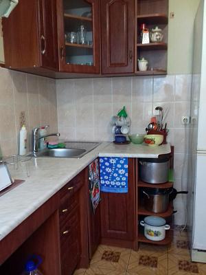 Трехкомнатная квартирапосуточно в Каролино-Бугазе. ул. Черноморская, 7а. Фото 1
