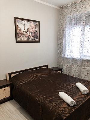 Двухкомнатная квартирапосуточно в Мукачево. ул. 26-го Октября, 23. Фото 1