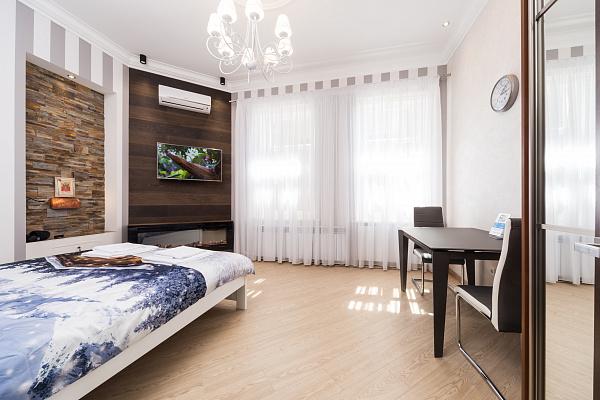Однокомнатная квартирапосуточно в Одессе. Приморский район, ул. Софиевская, 9. Фото 1