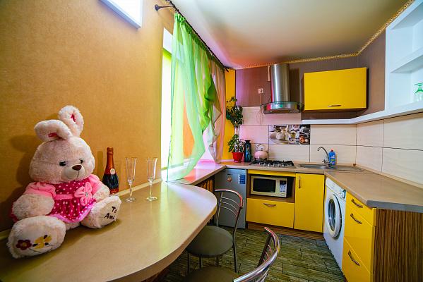Однокомнатная квартирапосуточно в Днепре, Амур-Нижнеднепровский район, пр-т Слобожанский, 63