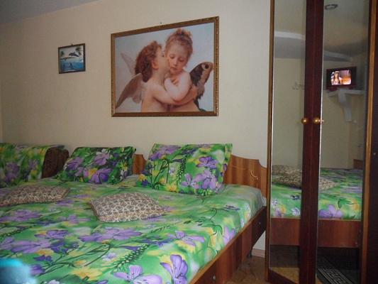 Мини-отель посуточно в Бердянске. ул. Земская, 25. Фото 1