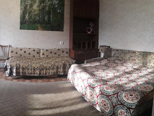 Двухкомнатная квартирапосуточно в Днепре, Индустриальный район, ул. Богдана Хмельницкого, 23. Фото 1