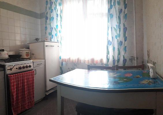 Двухкомнатная квартирапосуточно в Днепре, Индустриальный район, ул. Богдана Хмельницкого, 23