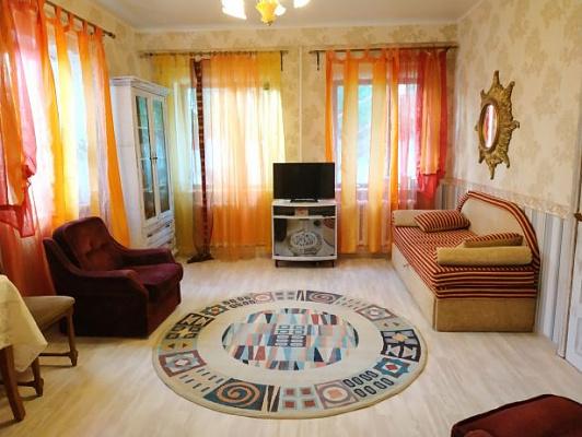 Дом посуточно в Фонтанке, ул. Патриотическая,  40. Фото 1