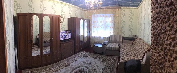 Двухкомнатная квартирапосуточно в Белгороде-Днестровском. ул. Больничная, 14. Фото 1